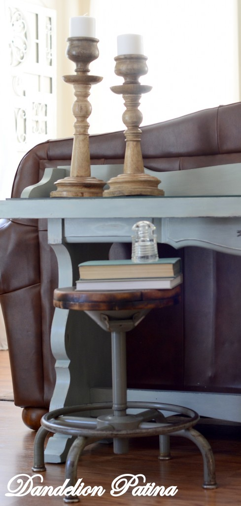 sofa table accessories