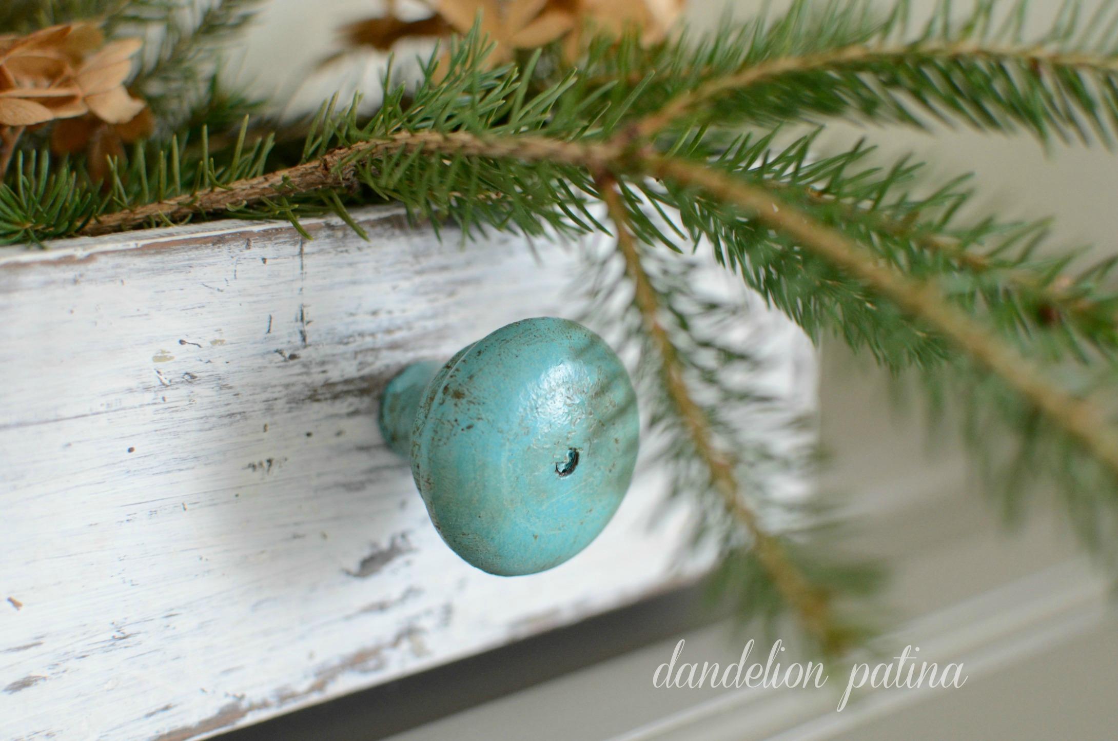 aqua distressed knob