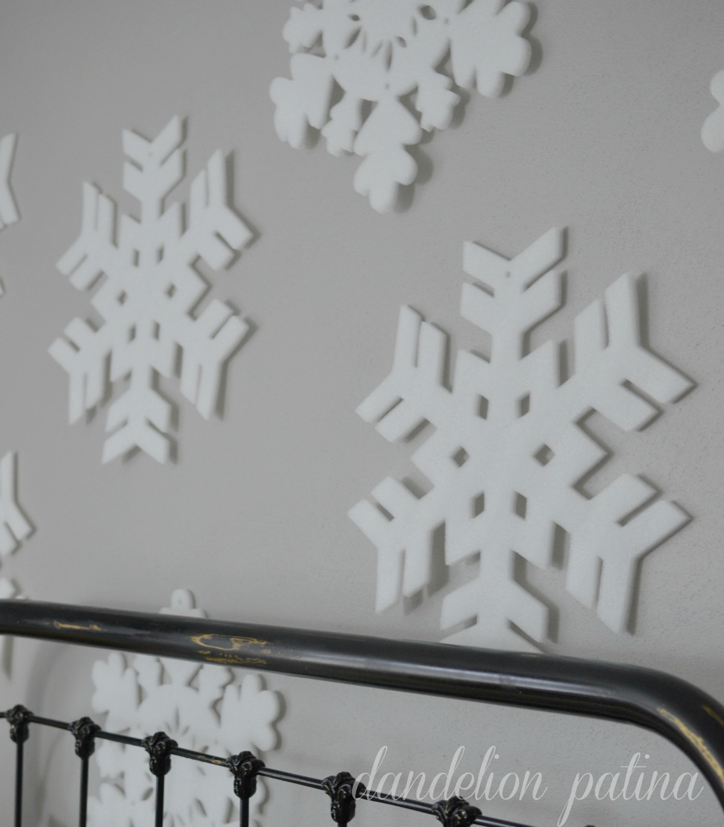 snowflake wall in bedroom