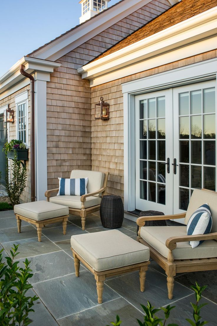 elements of cape cod style outdoors