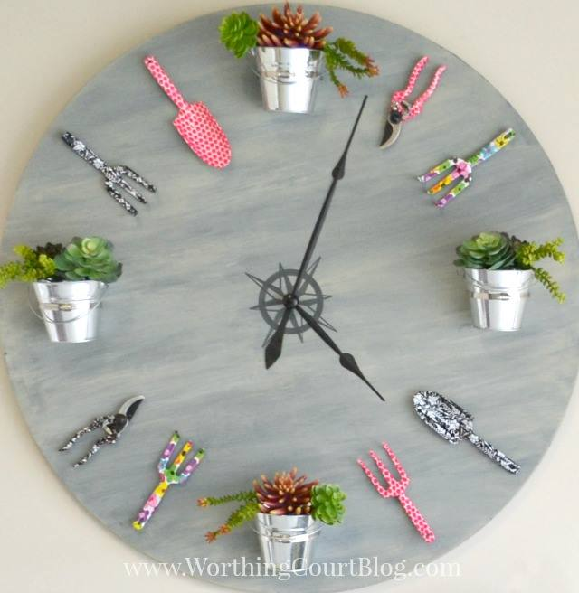 how to make a garden clock