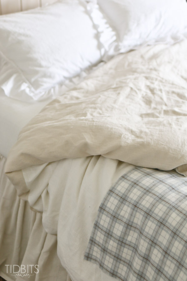 Reversible duvet cover from Tidbits featured at the Moonlight & Mason Jars link party