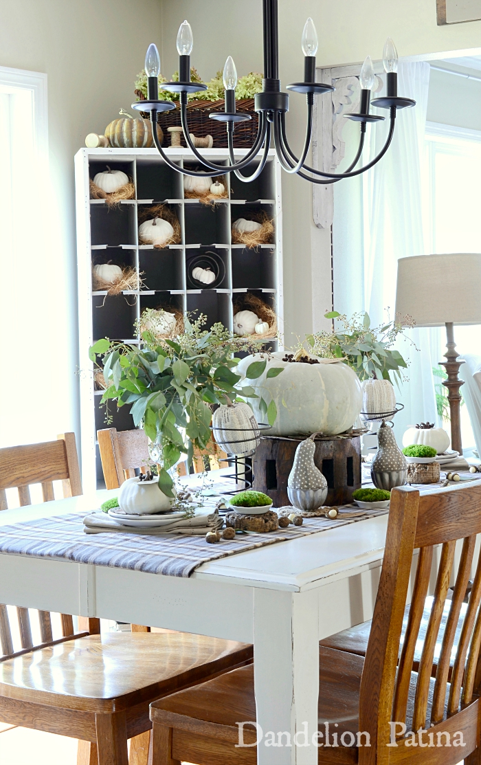 fall farmhouse home tour via dandelionpatina.com