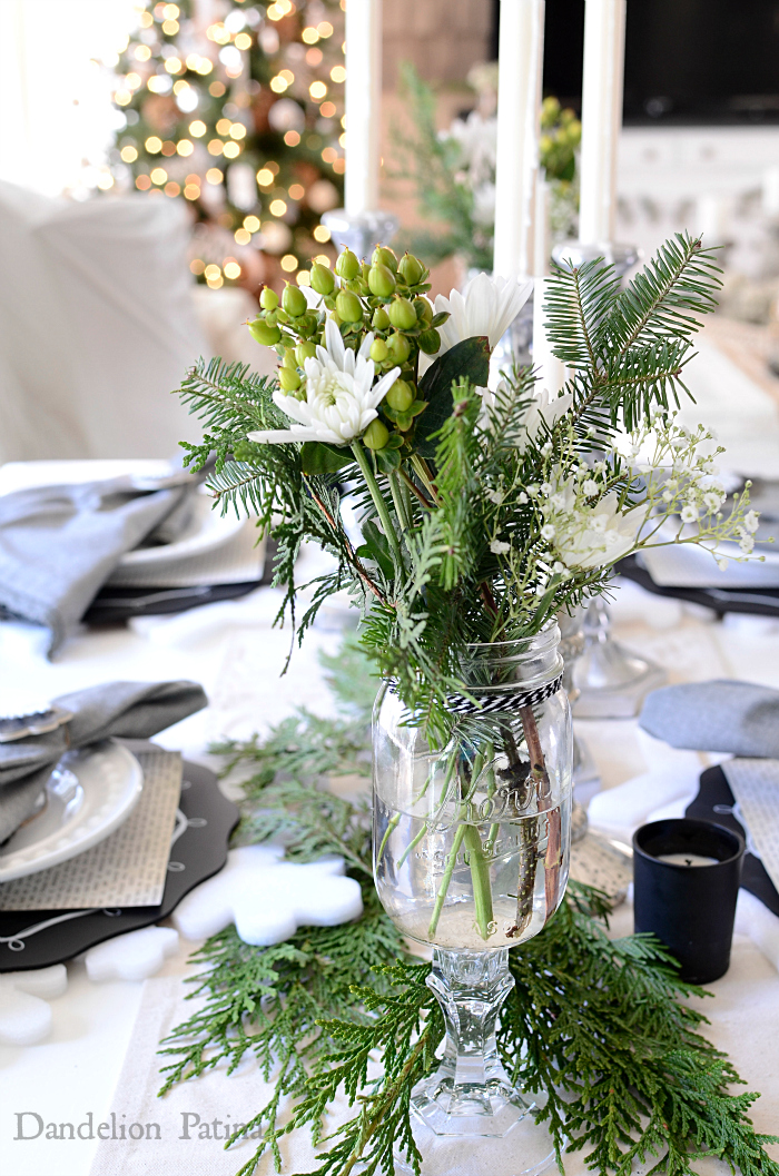 cottage style holiday tablescape in neutrals via dandelionpatina.com #cottagestyle #christmas