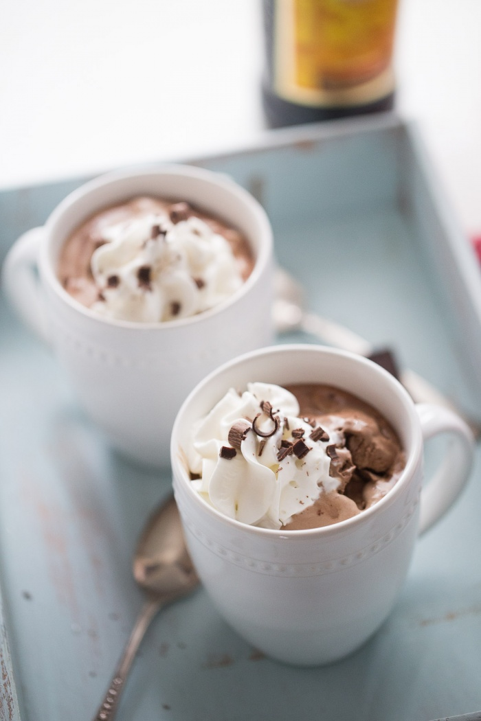 Today is a hot cocoa kind of day! Stay cozy this holiday season with this wonderful recipe for Mocha Mudslide Hot Chocolate.