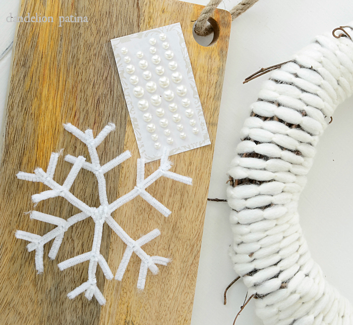 farmhouse style snow flake wreath tutorial