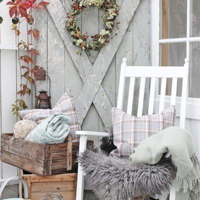 10 Cozy Fall Farmhouse Porch Decor Ideas